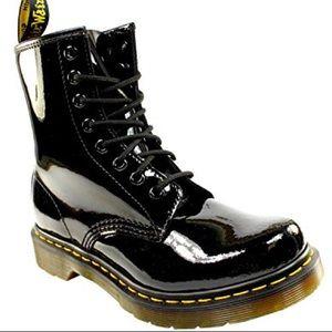 DR MARTENS 1460 BLACK PATENT COMBAT BOOTS sz 9 NEW